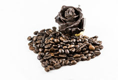 Forme de coeur de grains de café Photo stock