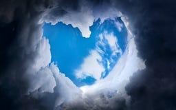Forme de coeur des nuages Photo libre de droits