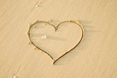 Forme de coeur en sable Images libres de droits