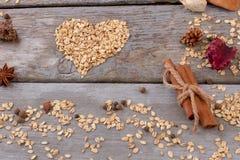 Forme de coeur de farine d'avoine Image stock