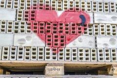 Forme de coeur peinte par rouge Images libres de droits