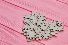 Forme de coeur de puzzle de carton Photos stock