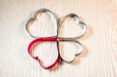 Forme de coeur sur la table en bois Photos libres de droits