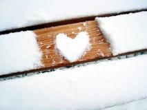Forme de coeur sur le banc (1) Photos libres de droits