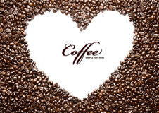 Forme de grain de café effectuée à partir de beaucoup de grains de café photographie stock libre de droits