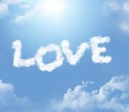 Forme de nuage de l'inscription d'amour Photos stock