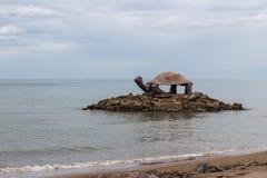 Forme de tortue de pavillon de bord de la mer dans les sud de la Thaïlande Photos stock