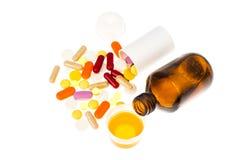 Forme degli sciroppi e delle compresse di farmaco immagini stock libere da diritti