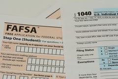 Forme di imposta di FAFSA e di IRS Fotografia Stock