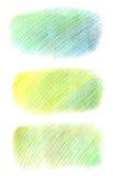 Forme disegnate a mano fatte con le matite di colore, covate nello stile di pendenza in tonalità differenti di verde e di blu Ill Fotografie Stock