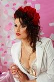 Forme el lanzamiento del brunette atractivo Imagen de archivo libre de regalías