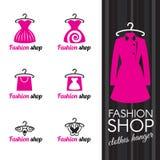 Forme el logotipo de la tienda - suspensión de ropa y panier y mariposa del vestido ilustración del vector