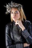 Forme el retrato de la hembra rubia sensual con estilo de pelo Fotos de archivo