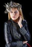 Forme el retrato de la hembra rubia sensual con estilo de pelo Imagenes de archivo