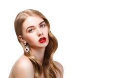 Forme el retrato de la mujer hermosa joven con el maquillaje perfecto a imágenes de archivo libres de regalías