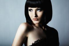 Forme el retrato de una mujer hermosa joven Fotos de archivo