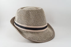 Forme el sombrero elegante aislado en un fondo blanco. Imagen de archivo libre de regalías