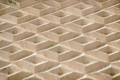 Forme geometriche consistenti di un fondo Una parete dei rombi Fotografia Stock
