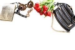 Forme la maqueta con los accesorios, las flores y la joyería Sho en línea Fotos de archivo libres de regalías