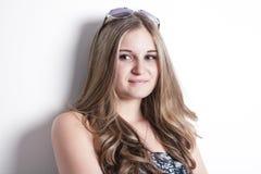 Forme la mirada del blanco excesivo adolescente joven hermoso Fotografía de archivo libre de regalías