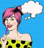 Forme a la muchacha del ejemplo del arte pop con la pluma en la mano con la burbuja del discurso Muchacha del estudiante juventud Imagen de archivo libre de regalías