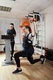 Forme physique avec la stimulation électrique Photographie stock libre de droits