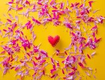 Forme rose et pourpre de pétale et de coeur de fleur Images libres de droits