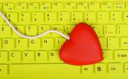 Forme rouge de coeur de hub d'USB Photo stock