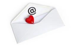 Forme rouge et email de coeur Photographie stock