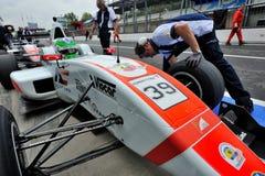 Formel Abarth in der Monza-Rennenspur Lizenzfreies Stockbild