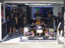 Formel en Red Bull som springer bil- foto F1 Arkivbild