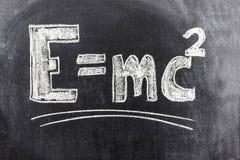 Formel för Einstein ` s av relativitetteorin royaltyfri foto