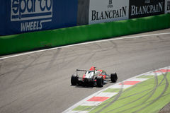 0 2 formel renault 0 på Ascarien Chicane av Monza Royaltyfria Foton
