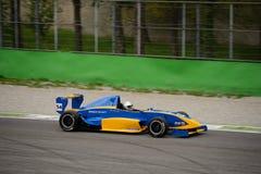 0 2 formel renault 0 Tatuus prov på Monza Arkivfoton