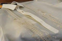 Formell skjorta och nationell klänningbarongtagalog Arkivfoto