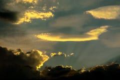 Formen von Wolken im Himmel Lizenzfreie Stockfotos