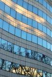 Former för våg för företags kontor för byggnad modernt glass arkitektoniska arkivfoton