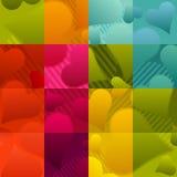 Formes colorées sans couture de coeur sur le fond vérifié Photographie stock libre de droits
