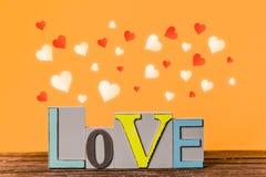 Formes d'amour et de coeur des textes autour Image stock