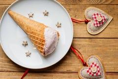 Formes de coeur et crème glacée  Image libre de droits