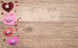 Formes de coeur et lettres d'amour pour le jour du ` s de Valentine Photographie stock