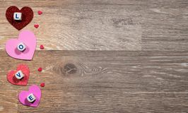 Formes de coeur et lettres d'amour pour le jour du ` s de Valentine Images stock