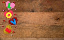 Formes de coeur et lettres d'amour pour le jour du ` s de Valentine Photos libres de droits