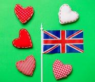 Formes de coeur de jour de valentines et drapeau de la Grande-Bretagne Images libres de droits