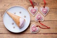 Formes de crème glacée et de coeur  Photographie stock