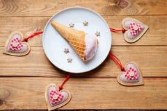 Formes de crème glacée et de coeur  Image libre de droits