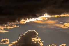 Formes de nuages dans le ciel Photos stock