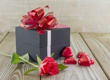 Formes de rose et de coeur de rouge Image stock