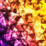 Formes triangulaires rougeoyantes de bokeh sur un fond foncé de gradient Images stock