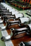 Formez les pistons de moteur diesel sur le produit Photos stock